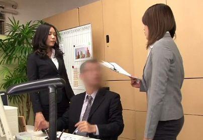 OL二人が社内でガチ喧嘩!顔に唾吐きしてビンタに取っ組み合い!敗者は落書きされペニバンアナルでレズレイプ