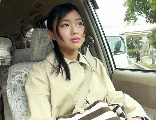 まだ純朴な美少女<竹田ゆめ>素人男性の自宅に派遣されイチャラブ模様をモニタリング