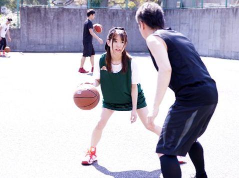 現役バスケプレイヤーのアスリートjdが幼い外見からは想像もつかないような激しいsexでイキまくる