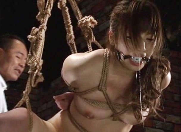 <早川瑞希>人気女子アナが変態S男に緊縛され激しい調教を受ける