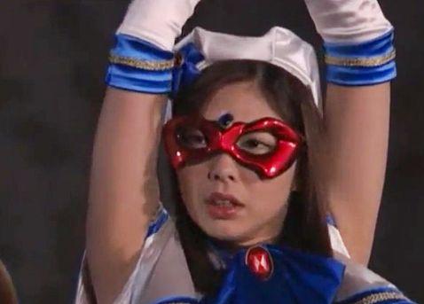 <ヒロイン>街の平和を守る正義のマジカル美少女が拘束され変態怪人たちに犯される