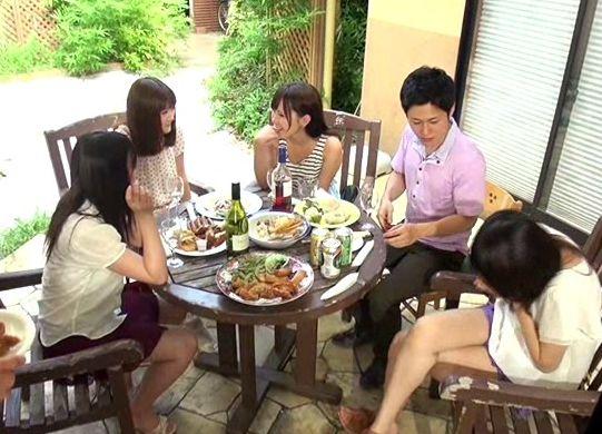 自宅に来たママ友の食事に媚薬を盛ってキメセクNTR