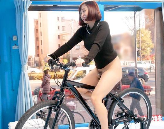 買い物中の人妻をMM号に誘導し賞金付けて電マ自転車に挑戦するww