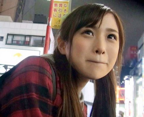 田舎から上京した超スレンダーな貧乳美少女をナンパしてHOTELでフェラ抜き口内射精