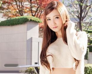 友田彩也香が街で逆ナンした素人男性と凄テク勝負!ベロチュー手コキや素股責めを10分耐えればご褒美が