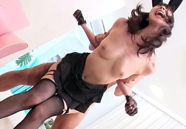 モデルのような8頭身スレンダーボディの美少女がバニースーツでコスプレして激しくsex