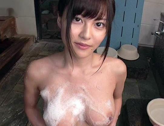 美人セクシーアイドルと主観画面でラブラブ温泉旅行で露天風呂で開放的に入浴sex
