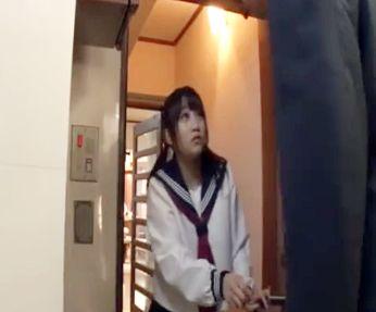 家に少女が一人でいるタイミングを見計らって痴漢男が強姦訪問押し入りレイプ