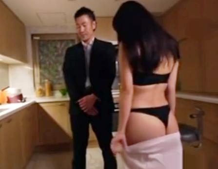 <西野翔>犯罪組織に潜入した女捜査官がボスとその側近の男を美麗な肉体を使ってたぶらかす