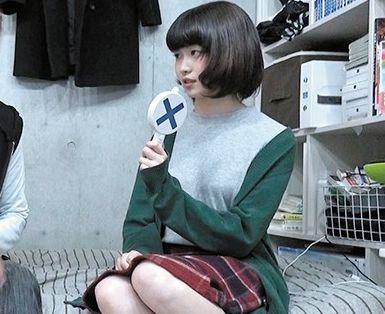 ショートヘアの細身な美少女を軟派師が連れ込み言葉巧みにsexに持ち込み隠し撮り