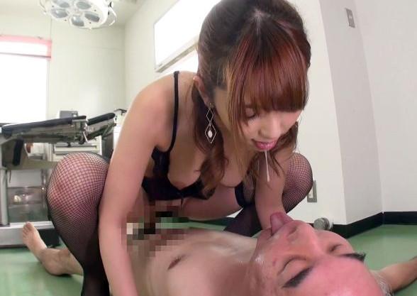 美人ナースがキモイ患者たちと変態プレイで舐め回し乱交sex!<波多野結衣>