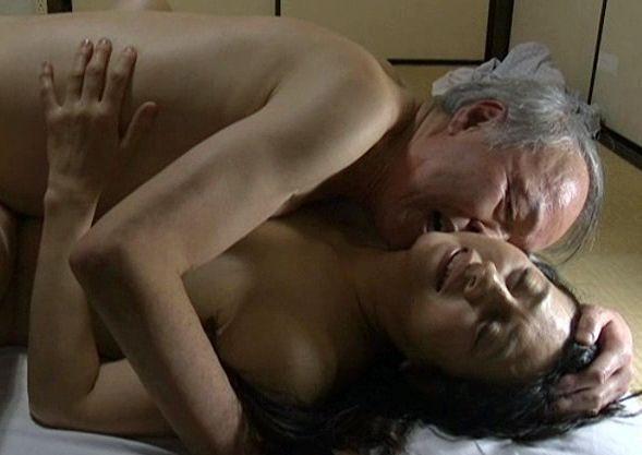 <ヘンリー塚本>精液と唾液にまみれた熟年夫婦たちの激しいおまんちょ