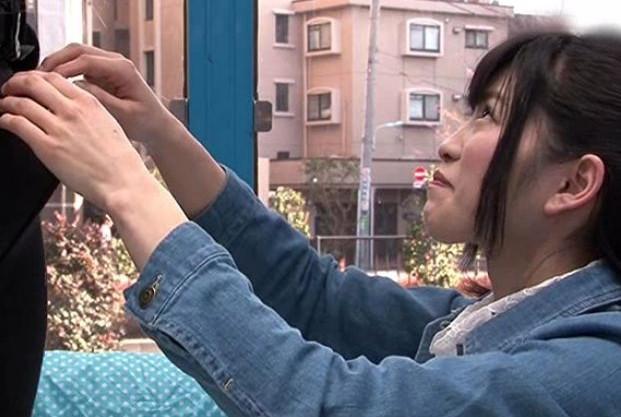 真面目そうな地方からの上京美少女をMM号に連れ込み巨チンで即ハメ!