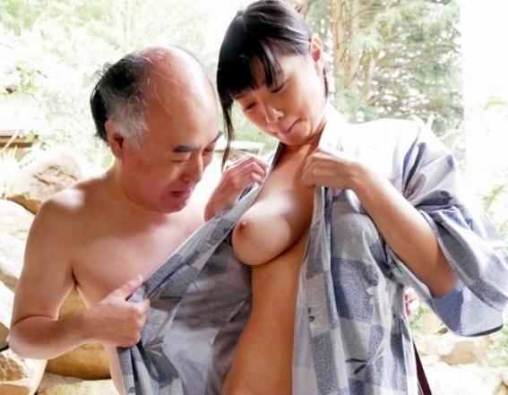 すげぇ美爆乳!おじさん達に性接待をさせられるスタイル抜群ボイン美女のガチハメsexがエロすぎる