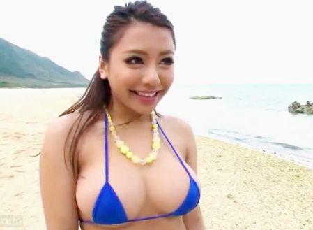 <松本メイ>日焼けギャルが南国ビーチでオスを捕まえて野外で青姦痴女セックス!