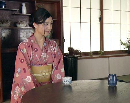 家事代行でやって来た和装美人がはだけた着物で客のチンポに騎乗位ご奉仕