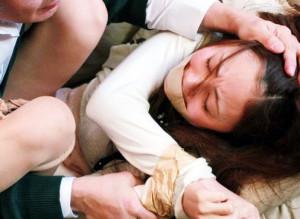 息子の家庭教師のお姉さんを拘束して変態親父が鬼畜チンポで犯しまくるw