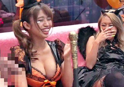 渋谷で弾ける酔っ払いの仮装ギャルにデカチンで釣ってノリノリで乱交sex