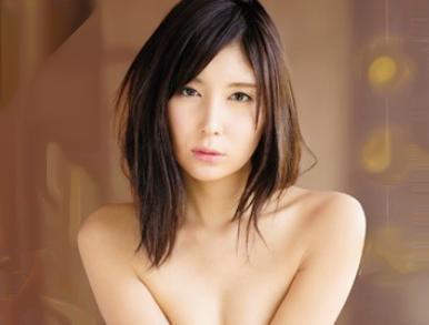 【仲村みう】元芸能人のスレンダー美女がセーラー服姿でチンポ挿入鬼ピスされ悶絶する