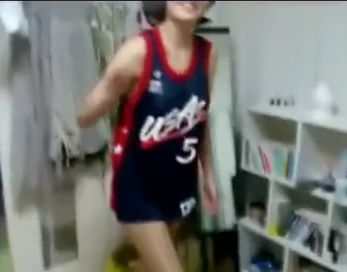 スマホで撮影した元カノのスケベな痴態を晒す元彼氏wwバスケユニフォームの彼女がエロすぎるw