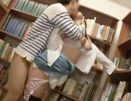 図書館や部室、オフィスで女子の無防備な身体に欲情した男が襲いかかって強引に犯し鬼畜にハメて問答無用でピストンする