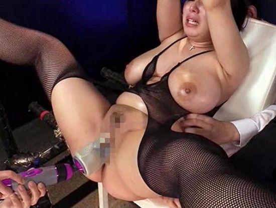鋼の精神を持つ爆乳女エージェントが闇ドラッグ組織に捕まり完全拘束されて苛烈な性調教を受ける