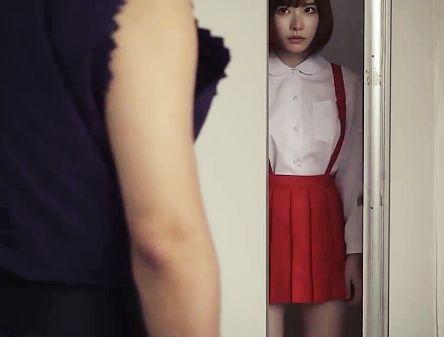 ぬっと現れるトイレの亡霊少女を屈強の坊主チンポが容赦なく即ハメして中出し成仏させちゃうwww