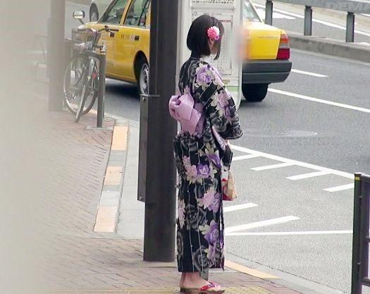 ミラー号からの帰りにバスの中で痴漢されて再び犯される浴衣のお姉さん