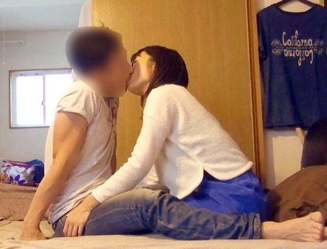 <盗撮>ハタチの可愛い学生さんをナンパ連れ込み!隠しカメラで撮影しながら激しくハメ合う
