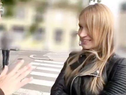 日本式のエロマッサージで感じまくるヨーロッパの金髪美女!海外でナンパした白人娘に無許可で膣内射精<素人ナンパ企画>