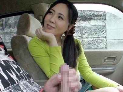 求人広告に釣られてやってきた素人奥さんオナニーを見せつける変態男ww勃起チンポを前にしてオナサポするエロい人妻