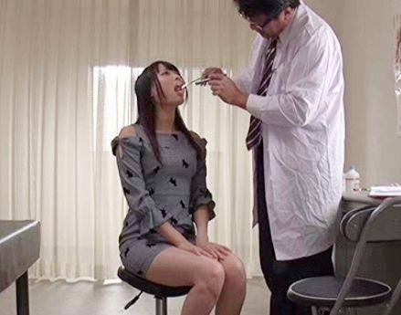 喉にクリがありますねえ..性感帯が喉奥にあるセーラー服の美少女がチンポを咥えて喉クリを刺激!ジュポフェラしながら悶絶イキ
