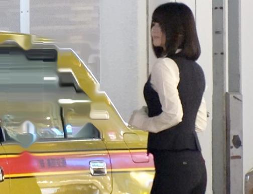 めっちゃ美人なタクシードライバーを発見www即口説いて車内で電マ責め&フェラ⇒ベッドで鬼ハメ